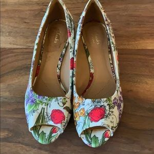 Clark's floral wedges